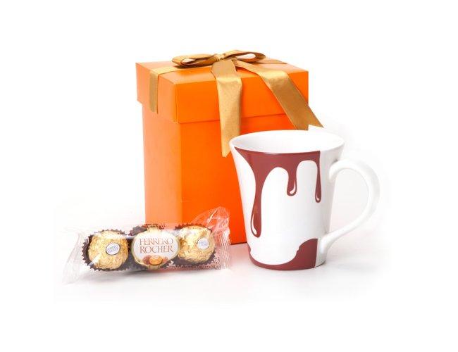 Kit Caneca de porcelana com Bombons e caixa presente.